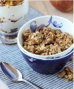 Mpin - Honey Almond Chia Granola (gluten-free) - Making Thyme for Health Healthy Dinner Recipes, Healthy Snacks, Breakfast Recipes, Cooking Recipes, Healthy Eating, Granola Sin Gluten, Chia Recipe, Honey Almonds, Gluten Free Recipes