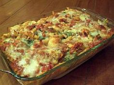 Cheesy Chicken Pasta Casserole with Spinach and Tomatoes: Chicken Pasta Bake