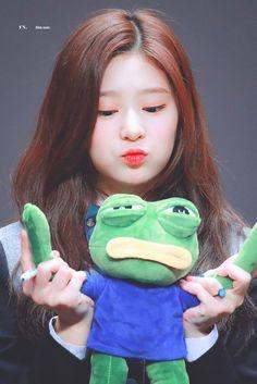 Kpop Girl Groups, Kpop Girls, Urban Words, Japanese Girl Group, Kim Min, Fandom, The Wiz, K Idols, Pop Group