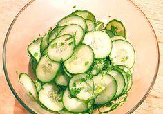 Salată de castraveţi cu mărar