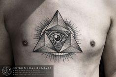 Eye dotwork tattoo