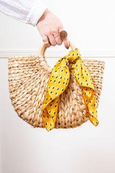 Straw Handbags, Purses And Handbags, Vegan Purses, Straw Tote, Basket Bag, Crochet Motif, Cloth Bags, Sisal, Bag Accessories