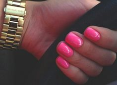 Love this pink manicure | short nails