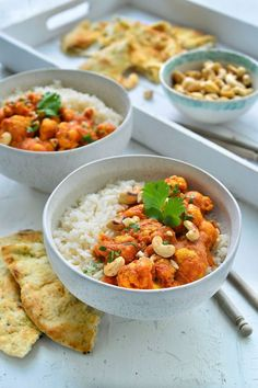 "Recipe ""Veggie tikka masala with cauliflower"" yum! - You will find the best recipe for ""Veggie tikka masala with cauliflower"" at njam! Nutritious Snacks, Healthy Work Snacks, Easy Healthy Dinners, Healthy Dinner Recipes, Go Veggie, Veggie Recipes, Vegetarian Recipes, Low Carb Brasil, Clean Eating"