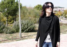 Look básico con la chaqueta rara de Zara SS15 como protagonista. Leggins denim de Stradivarius, camiseta de estrellas de Zara y converse de piel negras, de otras temporadas.