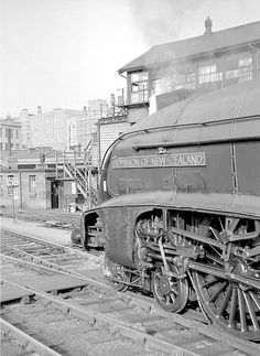 An Edinburgh express awaits departure at Kings Cross during the spring of 1962 headed by Pacific 60013 'Dominion of New Zealand'. Steam Trains Uk, Old Steam Train, Train Car, Train Tracks, Train Room, Diesel Locomotive, Steam Locomotive, Gandy Dancer, Time Travel Machine