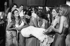Tatiana & Gutti. - OMG I'm Engaged -casamento - Wedding- casamento praia - noiva- Bahia - Brasil - casamento dia - bouquet -Fotos: Fernanda Souto e  Ernandes Alcantara