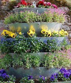 цветочный водопад своими руками в дизайне сада