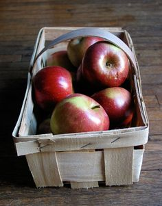how to store apples for the winter - make sure you get good ones from a local orchard to ensure the most nutrition post storage!