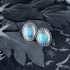 larimar earrings Brutalist Design, Vintage Pottery, Vintage Jewellery, Vintage Bohemian, Contemporary Jewellery, Vintage Buttons, Turquoise, Earrings, Jewelry
