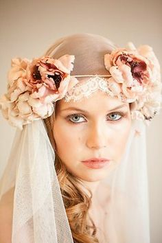 I would like to do some sort of flowercrown/veil combo (and ditch the veil for the reception)--could this be one way to do it?  Ana Rosa