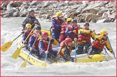 Paddle rafting for those who want to be active participants in the rafting experience. Nenana Paddle Rafting Tours | Alaskan Whitewater Experience | Denali Outdoor Center