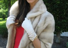 Classic white leather gloves fall fashion 2013. I need a leather gloves!