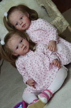 Reborn twin dolls. Jannie de Lange dolls