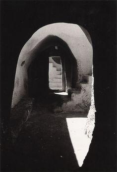 Jacqueline Mirsadeghi  Passages vers l'infini, Undated