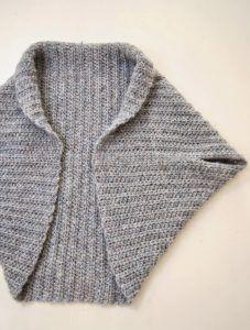 Basic Shrug Pattern - How Lovely! Basic Shrug Pattern – How Lovely! - Loom Knit Central Basic Shrug Pattern - How Lovely! Basic Shrug Pattern – How Lovely! Shrug Knitting Pattern, Knit Shrug, Loom Knitting, Free Knitting, Sweater Knitting Patterns, Knitting Machine, Knit Vest, Shrug Sweater, Gilet Crochet