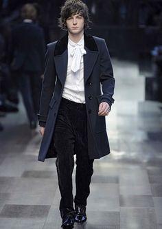silentcuriosity:    Regency-Military Cut Overcoat  http://episodebackstage.blogspot.com/2010_11_01_archive.html