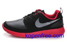 Kopen goedkope heren Nike Roshe Run Schoenen (kleur:vamp-zwart,binnenkant,zool-rood;logo-grijs) online in nederland.
