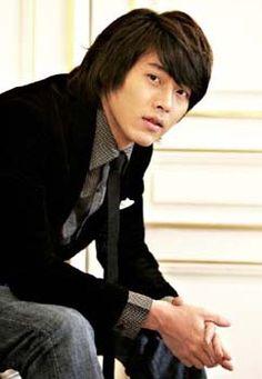 Profile * Name: 현빈 / Hyun Bin (Hyeon Bin) * Real name: 김태평 / Kim Tae Pyung (Gim Tae Pyeong) * Profession: Actor and model * Birthdate: 1982-Sep-25 * Birthplace: Seoul, South Korea * Height: 184cm *…