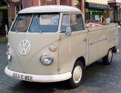 VW T 1 pick-up grijs
