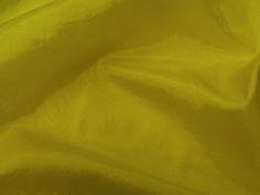 Hightech. Tecido leve, com brilho acetinado, superfície com suave efeito de amassado. Ideal para looks festa.  Sugestão para confeccionar: vestidos de festa, saias, blusas, entre outros.