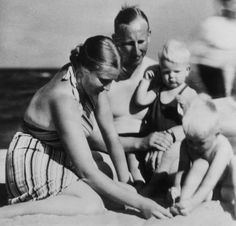 Reinhard Heydrich with his wife Lina and their sons Klaus (right) and Heider on the Baltic Sea.