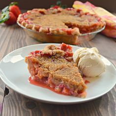 Strawberry Rhubarb Pie With Crumb Topping #pie #strawberry #recipe #rhubarb #dessert #spring