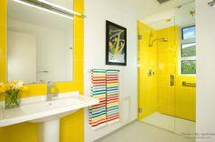 Веселое утро или как оформить интерьер ванной в желтом цвете