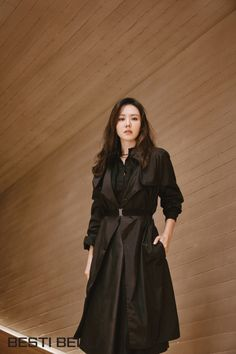 Son Ye-jin (손예진) - Picture @ HanCinema :: The Korean Movie and Drama Database Mode Outfits, Korean Outfits, Fashion Outfits, Korean Actresses, Korean Actors, Korean Celebrities, Celebs, Look Magazine, Relaxed Outfit