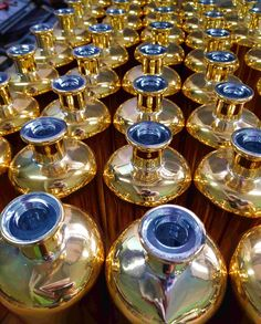 These golden bottles shining with a dazzling mirror shine are already on their way to Belgium!