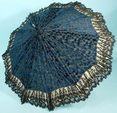 1900's ___ Large Blue & Black Cut Velvet with Black Lace Parasol ____ Ecru lining, black shaft with silver knob handle ___ photo 3