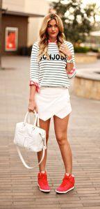 Skort + sneakers = perfection! #Skort #Outfit