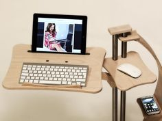 New Shapes for a new Digital Lifistyle Lounge-wood its available in 4 different color tone: Natural, Dark, Hot, Classic. (Photos show the Natural SAIL model) Original! The Lounge-tek supports are the innovative devices to use your Notebook and Tablet in total comfort thanks to its