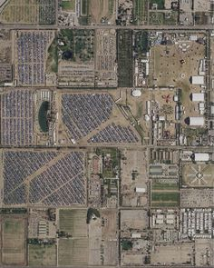 Just a little festival in the desert. Are you going to Coachella? Check out the swipe map at esriurl.com/coachella 🌼🌼🌼