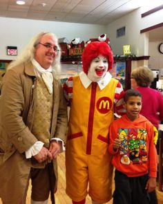 Ben Franklin Today joined Ronald McDonald and the families of the Philadelphia Ronald McDonald House last night (12/4/13) to help celebrate the holidays.