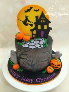 .. Bolo Halloween, Pasteles Halloween, Halloween Birthday Cakes, Theme Halloween, Halloween Treats For Kids, Halloween Baking, Halloween Desserts, Halloween Cookies, Disney Halloween