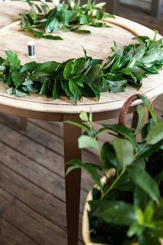 Parolan Asema: Pajukranssi Branches, Herbs, Table, Furniture, Home Decor, Decoration Home, Room Decor, Herb, Tables