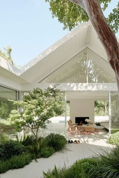 Dream Home Design, My Dream Home, Gable House, Casas The Sims 4, Dream House Exterior, House Exterior Design, Facade Design, House Exteriors, House Goals