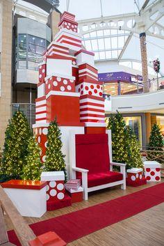 Greenscape-Design-Brentwood-Mall-Santa-Set.jpg 683×1,024 pixels
