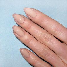 5 Μοντέρνα γαλλικά μανικιούρ που πρέπει να δοκιμάσεις! | ediva.gr Manicure At Home, Nail Manicure, Nail Polish, Manicure Ideas, Nail Ideas, Classic French Manicure, Classic Nails, Kim Kardashian Nails, Nail Selection