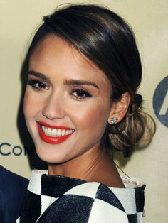 Hot celebrity hairstyles for every hair type: Jessica Alba