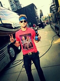 Brian Kelley of Florida Georgia Line . Hellllllo you look like a hippie; Country Singers, Country Music, Beautiful Boys, Beautiful People, Brian Kelley, Country Men, Country Life, Florida Georgia Line, Luke Bryan