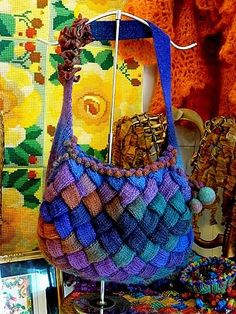 Love this Entrelac bag from Gretchen's Projects Crochet Motifs, Freeform Crochet, Tunisian Crochet, Knit Crochet, Crochet Handbags, Crochet Purses, Crochet Bags, Knitting Patterns, Crochet Patterns