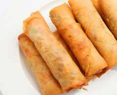 Calories (per spring roll): 110 Fat (g): Carbs (g): 17 Sugars (g): 2 Vegetable Spring Rolls, Good Food, Yummy Food, Healthy Food, Party Food And Drinks, Taco, Indonesian Food, Indonesian Recipes, Different Recipes