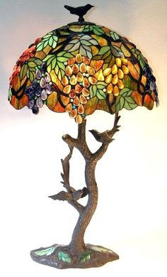 Tiffany Glass Bird Lamp ~contributed by ButterflyJ - Faág alakú lámpatest Tiffany ólomüveg burával