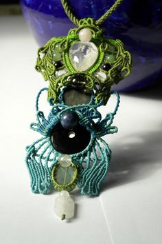 Powerful necklace with natural stones