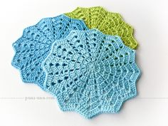 Crochet doilies - Russian tutorial with loads of pictures, plus crochet diagram Crochet Placemats, Crochet Bunting, Crochet Mat, Crochet Potholders, Crochet Squares, Crochet Home, Crochet Crafts, Crochet Projects, Love Crochet