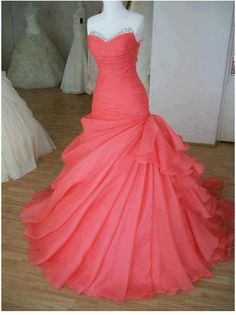 I know I'll never go to prom, but I love this dress. I need some super fancy event so I can get this.
