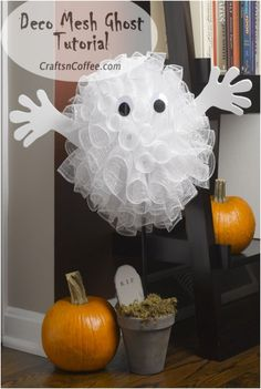 For the Deco Mesh Fans: A Halloween Ghost and a giveaway
