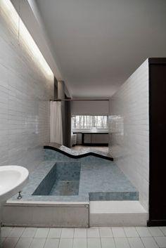 """""""Une vraie passoire !"""" : Où l'on apprend que le service après-vente chez Le Corbusier laisse à désirer."""